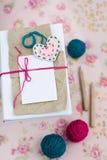 Vieux carnet pour des notes d'amour et des boules de fil Image stock