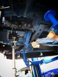 Vieux centre de service des réparations de voiture de pièces de rechange de voiture images stock