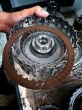 Vieux centre de service des réparations de voiture de pièces de rechange de voiture photos libres de droits
