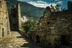 Vieux château de la vue en pierre de l'intérieur de la ville de l'aosta image stock