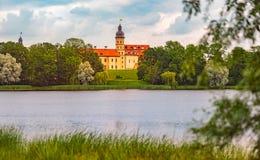 Vieux château médiéval dans Nesvizh, Belarus photographie stock libre de droits