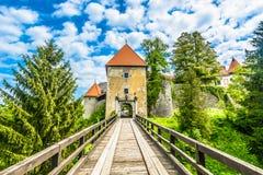 Vieux château médiéval dans Ozalj photo libre de droits