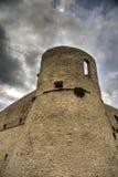 Vieux château sous le cloudscape Photos stock