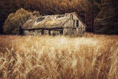 Vieux champ de grange Photo stock