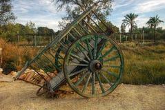 Vieux chariot en bois - roue Photographie stock libre de droits
