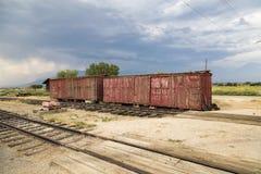 Vieux chariots de rail images stock