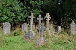 Vieux cimetière anglais d'église Photo stock