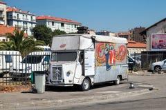 Vieux Citroen blanc H Van, remorque de approvisionnement Images stock