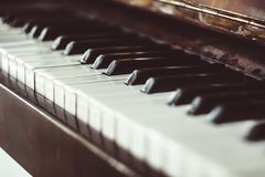 Vieux clavier de piano photos libres de droits