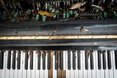 Vieux clavier de piano Images libres de droits