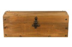Vieux coffre en bois fermé d'isolement Photographie stock