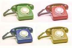 Vieux collage coloré de téléphone, fond de concept de communication photos stock
