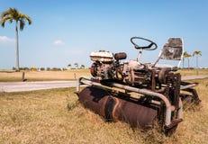 Vieux Conduite-sur le rouleau de pelouse Images stock