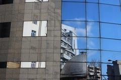 Vieux contre la nouvelle architecture Photographie stock