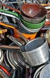 Vieux cookware émaillé et en aluminium Image libre de droits