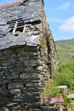 Vieux cottage en pierre dans le liège occidental Photo stock