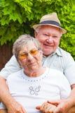 Vieux couples dans l'amour Photo libre de droits