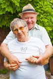 Vieux couples dans l'amour Photos libres de droits