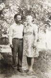 Vieux couples de photographie de vintage dans l'amour Image libre de droits