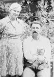 Vieux couples de photographie de vintage dans l'amour Image stock