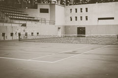 Vieux court de tennis vert, style de vintage Photographie stock