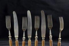 Vieux couteaux de table et couteaux Photos libres de droits