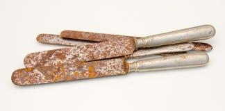 Vieux couteaux rouillés Image stock