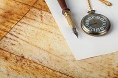 Vieux crayon lecteur de calligraphie photographie stock libre de droits