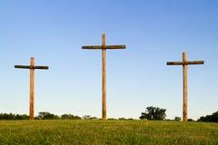 Vieux croix et horizon raboteux Images libres de droits