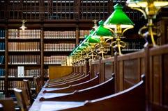 Vieux détail de bibliothèque Photo stock