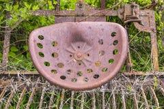Vieux détail rouillé abandonné en métal de charrue de fer Photo stock