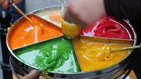 Vieux dessert turc traditionnel de rue : Pâte douce de sultan banque de vidéos