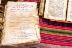 Vieux dictionnaire historique Images libres de droits