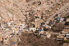 Vieux Distric du Kurdistan d'Akre Aqrah de l'Irak avec une mosquée Photographie stock