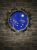 Vieux drapeau de l'Alaska dans le mur de briques Images libres de droits