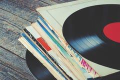 Vieux enregistrements de vinyle photographie stock