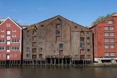 Vieux entrepôts en bois Trondheim Photo stock