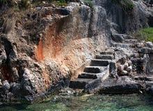 Vieux escaliers par le sea3 Photos libres de droits