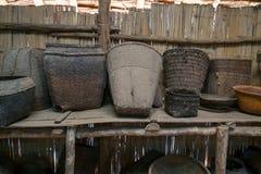 Vieux et inutilisés appareils ménagers tribals Photographie stock libre de droits