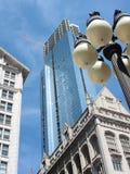Vieux et neuf - construction dans la ville Photo libre de droits
