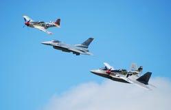 Vieux et neufs avions à réaction Images libres de droits