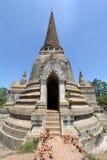 Vieux et ruiné Chedi majestueux à Ayutthaya photos stock