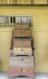 Vieux et usé en bois antique traditionnel miteux Photo libre de droits