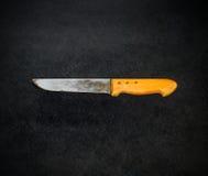 Vieux et utilisé boucher Knife images stock