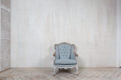 Vieux fauteuil antique Photo libre de droits