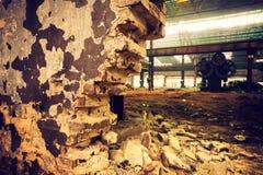 Vieux ferme métallurgique attendant une démolition Image stock