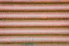 Vieux feuillard ondulé rouillé Image stock