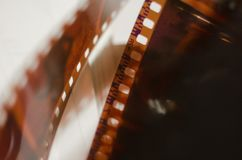 Vieux film, abstraction, film allumé images stock