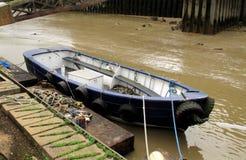 vieux fleuve de bateau Image libre de droits