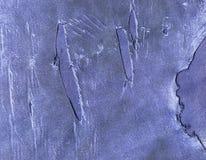 Vieux fond en cuir bleu avec des éraflures et des trous photographie stock